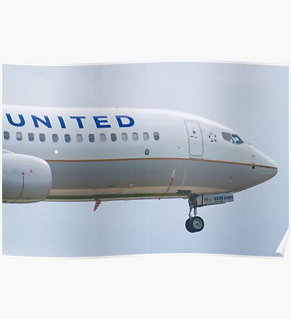 Nose Shot N76528 United Boeing 737-824 Approach Poster