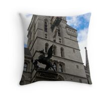 Temple Bar Memorial Throw Pillow