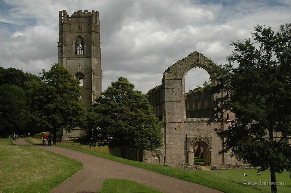 Ruined Fountains Abbey by Pete Johnston