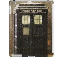 Doctor who snowy TARDIS iPad Case/Skin