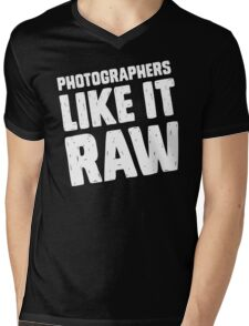 Photographers Like It Raw Mens V-Neck T-Shirt