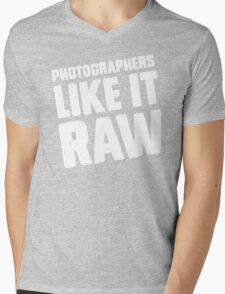 Photographers Like It Raw Mens V-Neck T-Shirt