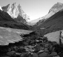 Under glacier (b&w) by zumi