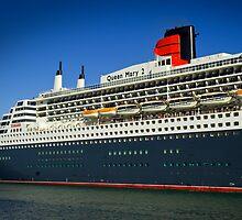 Queen Mary 2 by Darren Speedie