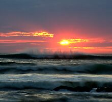 Dancing waves, setting sun by clickedbynic
