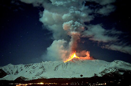 Fire in the night (RB Explore Featured) by Turi Caggegi
