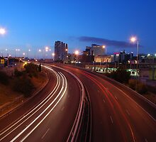 Freeway traffic on the city by luissantos84