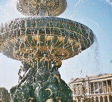 Fontaine de la Concorde by iamreallybigraa