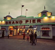 Grand Pier by Victoria  Eastwood