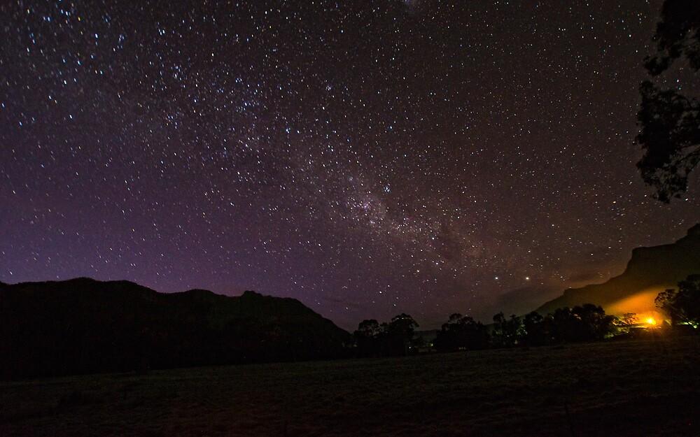 Starry Night. Halls Gap, Australia. by Frank  McDonald