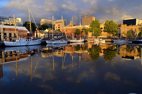 Early Morning Reflections by Glenda Williams