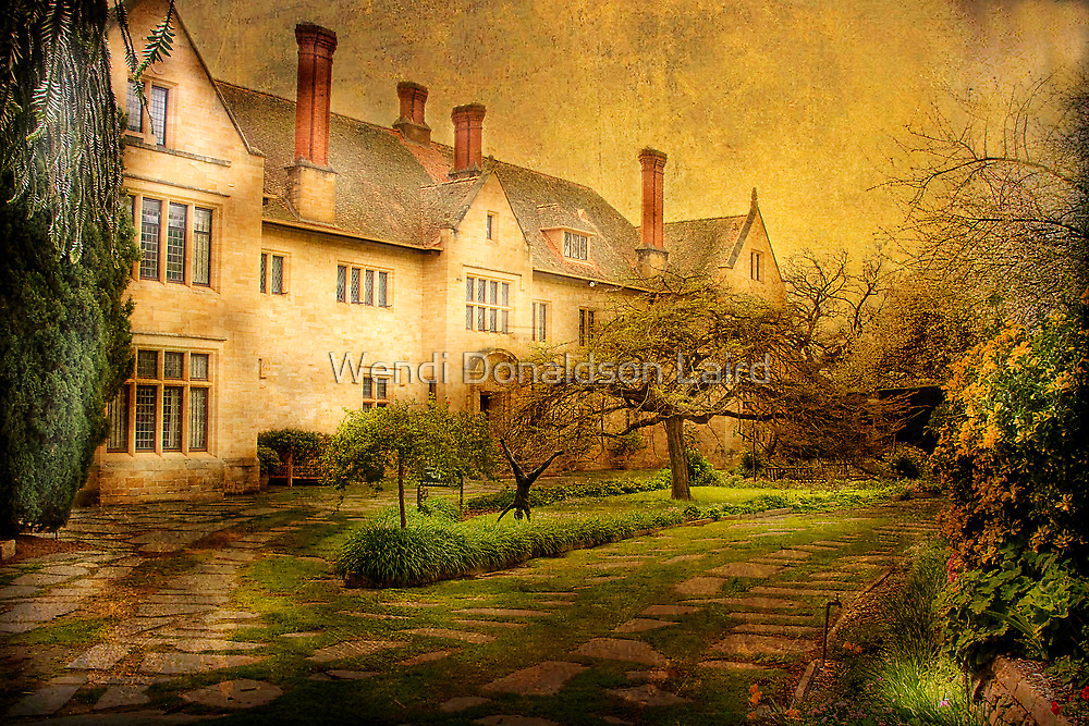 The Mansion on the Hill by Wendi Donaldson