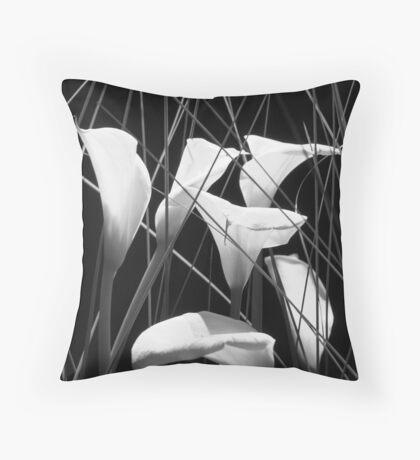 gardinia arrangement 4-b-w Throw Pillow