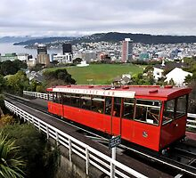 Wellington Cable Car by Pete  Burton