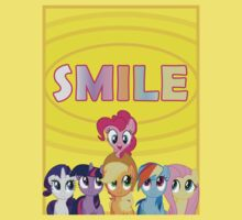 Smile! - Pinkie Pie (Bordered) by oliethefolie