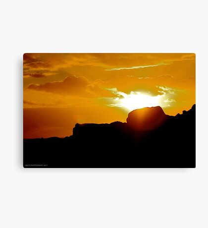 Sunrise, Winkipop Malny  Canvas Print