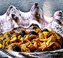 Tridacna Gigas with Cornflakes and Blueberries by GolemAura