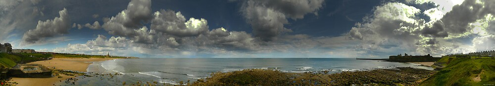 Tynemouth Longsands and Priory by bryanrqueen