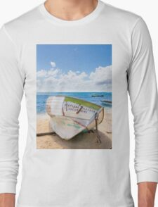A shipwreck on the beach in the Caribbean Long Sleeve T-Shirt