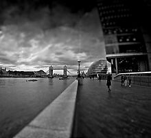 southbank noir by Adam Glen