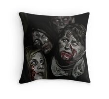 Zombies don't say 'Brains' Throw Pillow