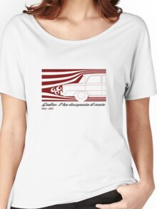 Alfa Romeo Giulia: l'ha disegnata il vento (designed by the wind) Women's Relaxed Fit T-Shirt