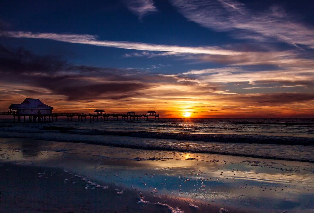 Gulf of Mexico Sunset by alan shapiro
