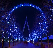 London Eye by Neil  Pickin