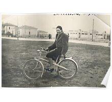 la zia maria in bicicletta durante la guerra...nelle campagne emilianeEUROPA 2800 VISUALIZZ.OTTOBRE 2013 - VETRINA RB EXPLORE 9 GIUGNO 2013 -                                        ... Poster