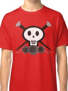 Knitting needles skull and yarn t-shirt Classic T-Shirt