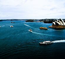 A busy day on Sydney Harbour!! by evansoz