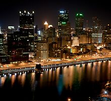 Pittsburgh Skyline by Dan Lauf
