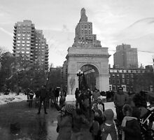 Giant Bubble, Washington Square by berndt2