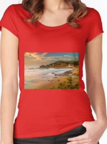 A boat shed at seaside Women's Fitted Scoop T-Shirt