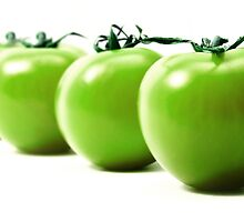 Green tomatoes by Cleber Photography Design