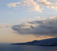 Cloudy scenery from the Canary Islands - 04 by javiermanrique