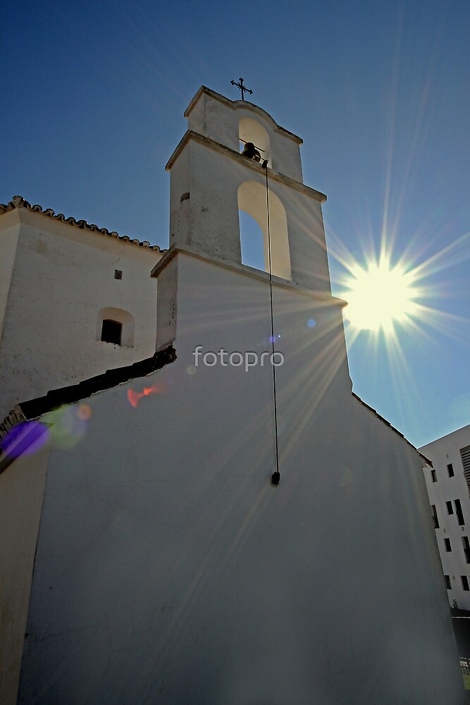The sun shines on the righteous. by fotopro