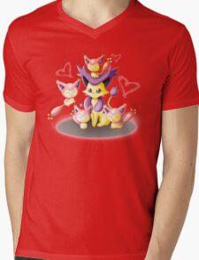Pokemon: Mama Delcatty and her Baby Skitty Mens V-Neck T-Shirt