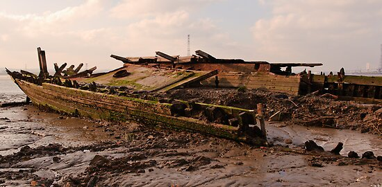 Rotting Tug by Thasan