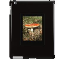 Toadstool on black iPad Case/Skin