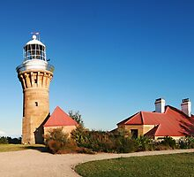 Barrenjoey Lighthouse by barnabychambers
