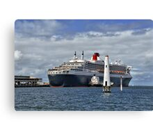Queen Mary 2 at Station Pier Canvas Print