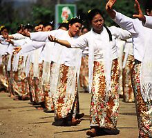 Northern Thai dancers. by Phil Bower