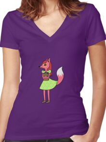 Bookworm Fox Women's Fitted V-Neck T-Shirt
