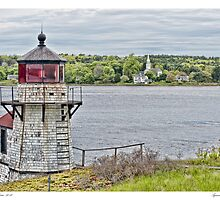 Squirrel Point Light by Richard Bean