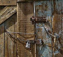Door furniture - a little deception by Marjolein Katsma