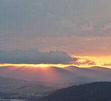 Black Mountain and Mt Stromlo by peterhau
