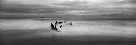 SS Dicky, Dicky Beach, QLD by Matt  Lauder