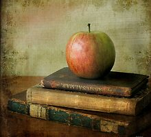 ...with apple & books by Þórdis B.