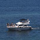 Little Yacht - Pequeño Yate by PtoVallartaMex